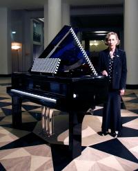 Pleyel s'associe àla designer Andrée Putman pour un piano de luxe unique