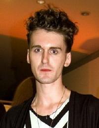 Le créateur de mode britannique Gareth Pugh remporte le Prix international de l'Andam