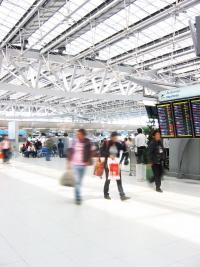 Davantage de magasins de mode dans les aéroports parisiens dès 2009