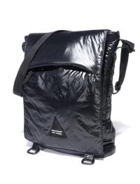 Raf Simons signe une collection de sacs Eastpak : le courrier de la mode
