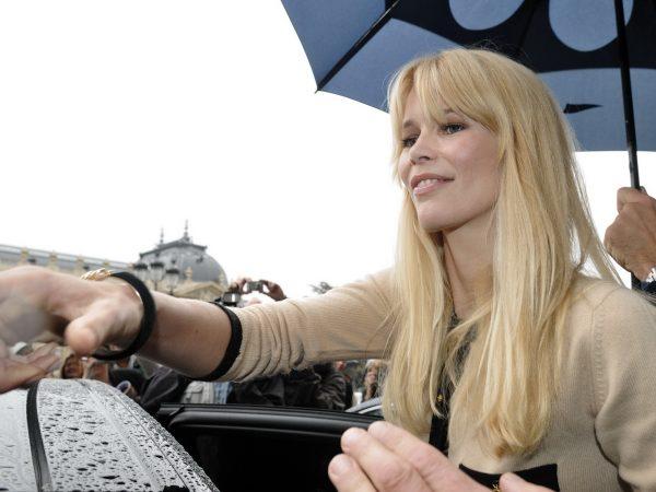 Claudia Schiffer, égérie de la prochaine campagne printemps-été 2009 Yves Saint Laurent