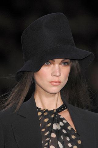 Fashion Week Paris : le chapeau Dior