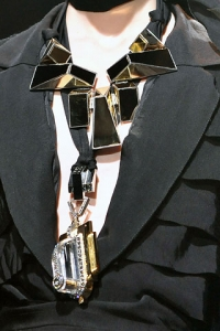 Collier Lanvin - Vogue