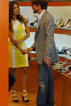 Eva Longoria dans la boutique Gérard Darel