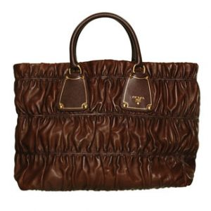 Modèle Gaufre cuir marron de Prada