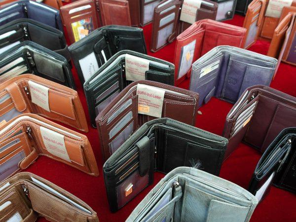 Plus de 2.700 contrefaçons de maroquinerie de luxe saisies àParis