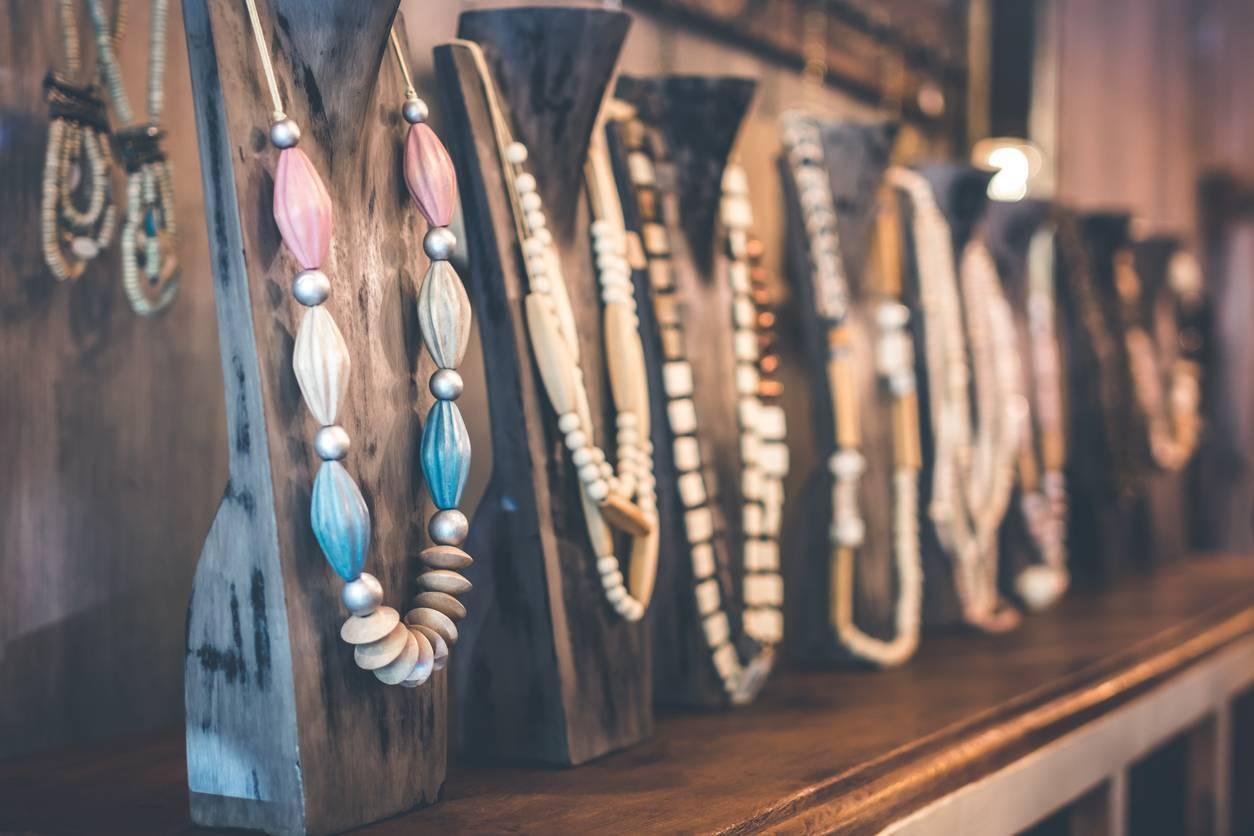 succès des accessoires de mode en bois