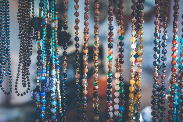 Pourquoi porter des bijoux en pierre naturelle ?